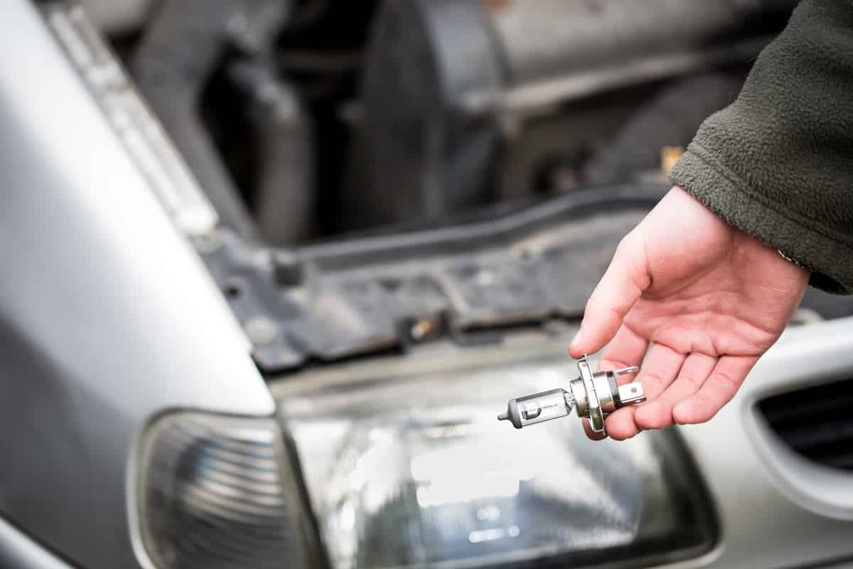 replce the car bulbs to prepare to summer